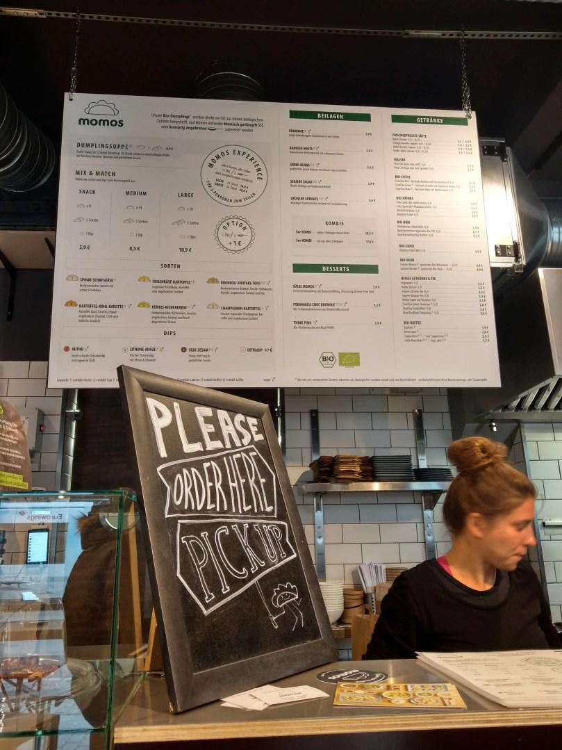 momos櫃檯菜單