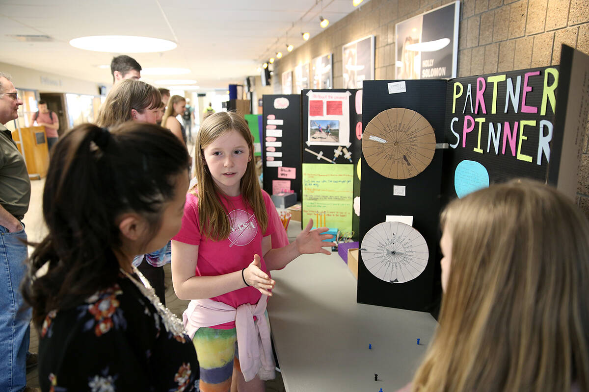Menomonie Fifth Graders Take Part In Stout Research Day