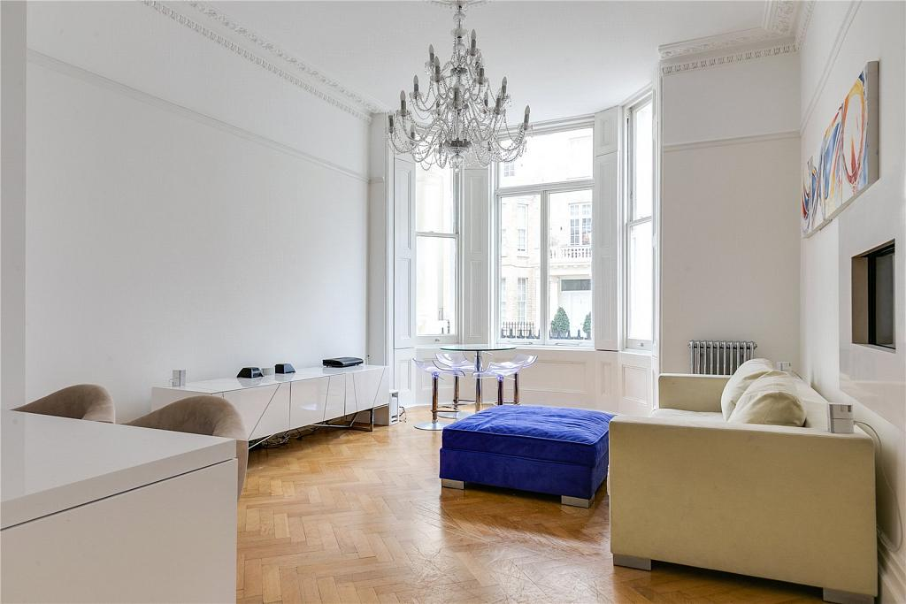 South Kensington London 2 Bedroom Flat To Rent In Queens Gate Place Chestertons