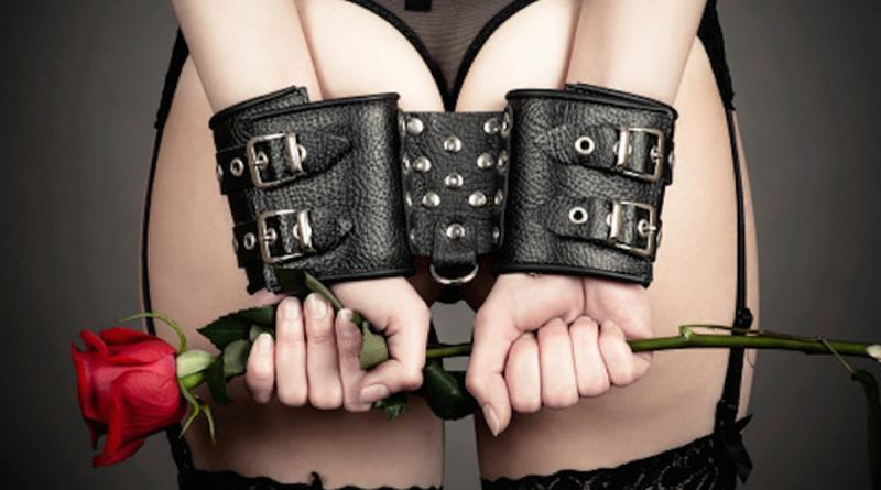 25 facts about bdsm that you wont learn in fifty 2 22522 1423793417 29 dblbig BDSM Dating Sites