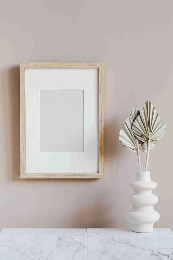 pexels karolina grabowska 4207785 Fill Your Apartment's Bare Walls