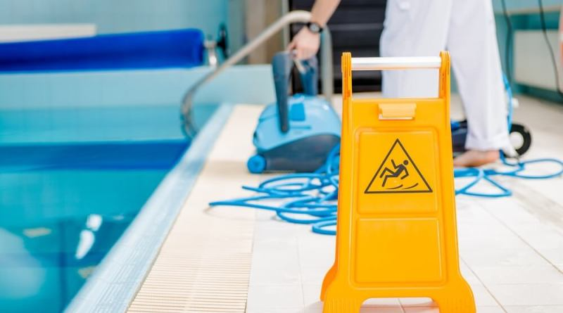 swimming pool cleaning pool maintenance tips