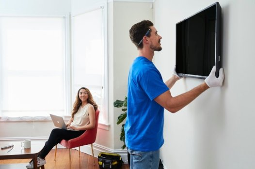 10 Common TV Problems & Amp: How to Fix Them