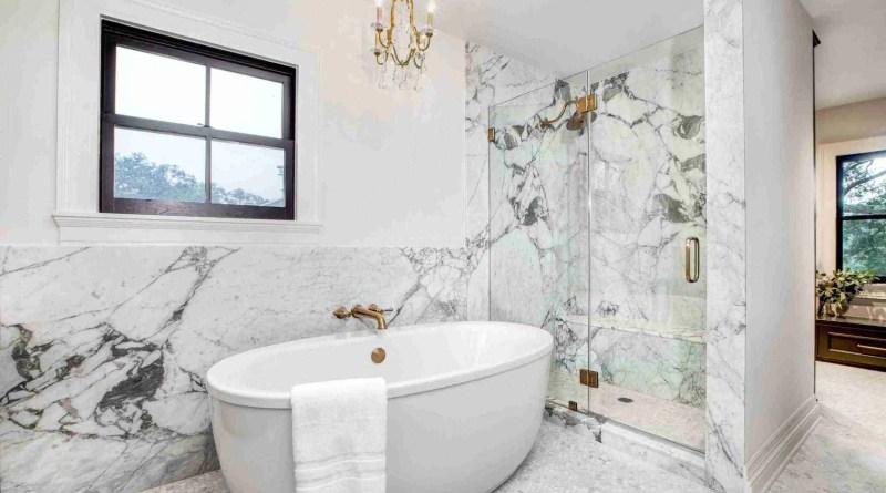 Aria Stone Gallery Calacatta Vagli Master Bath 01 scaled 1 Marble Tile Bathroom Ideas