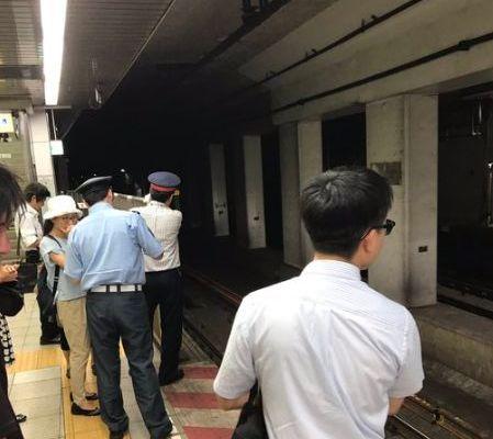 東西線 門前仲町駅で線路立ち入りで遅延!現場の状況や画像など