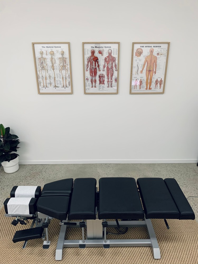 Chiropractic treatment table