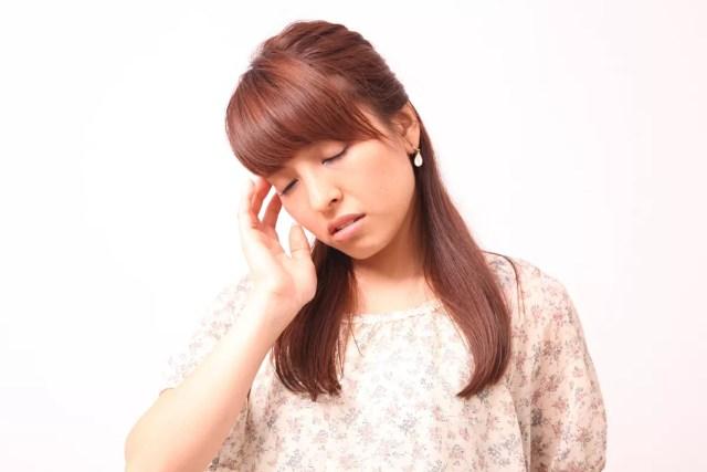 頭痛や吐き気を頻繁に感じる