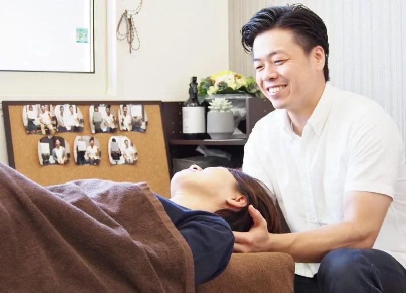 首・肩の筋肉を調整