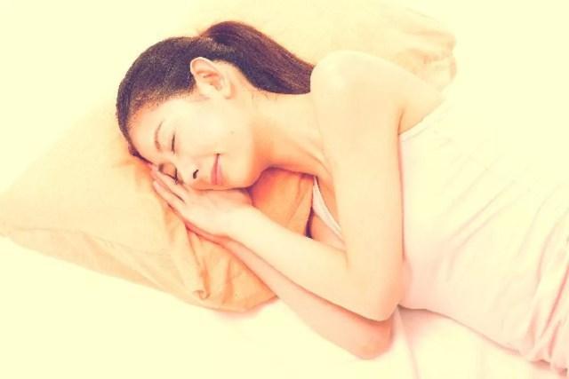 肩こりを睡眠で改善する