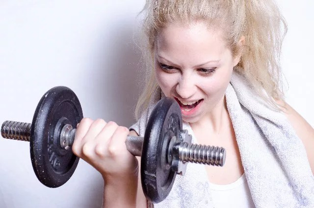 運動をして体を鍛える