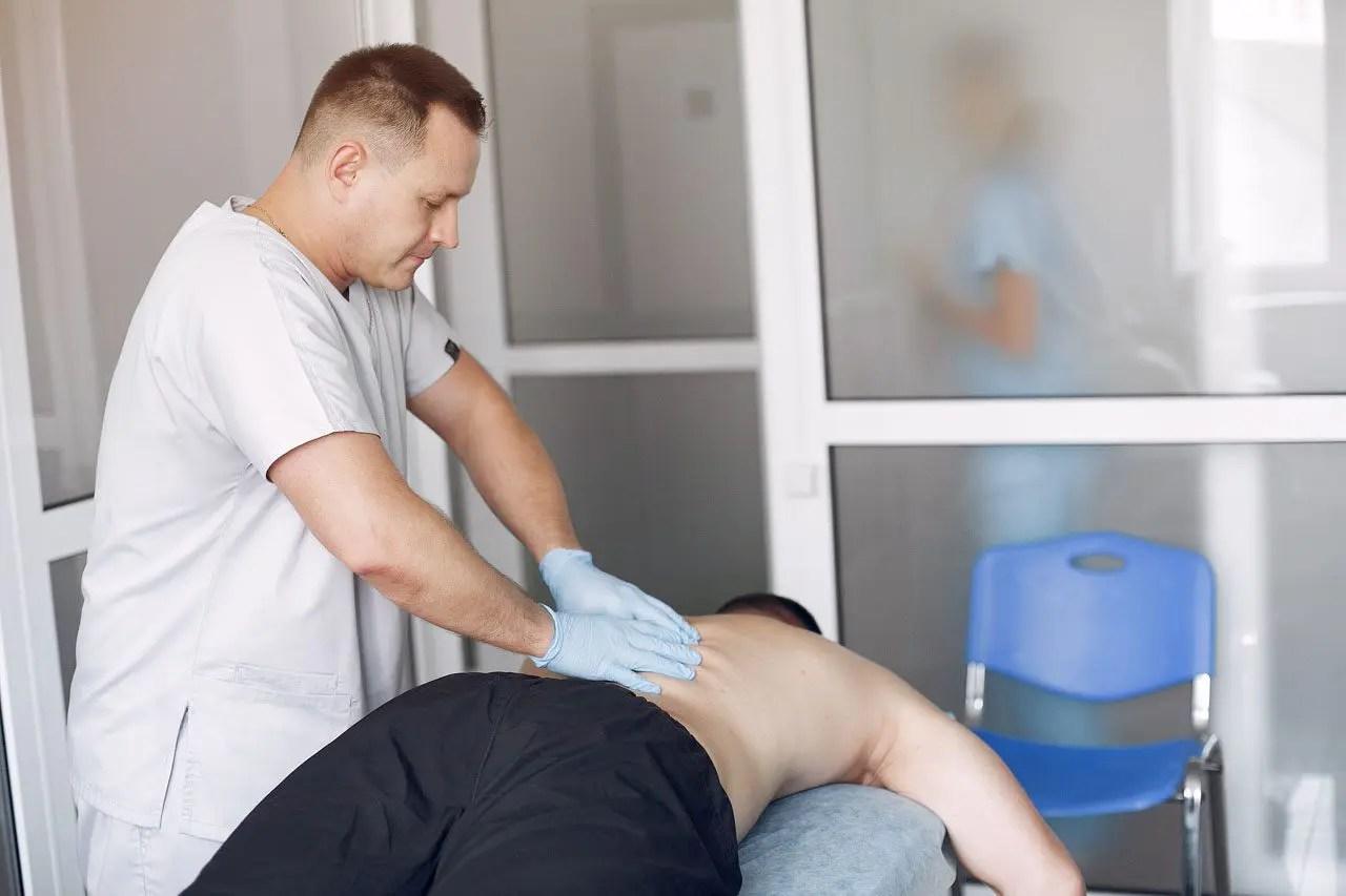 Técnicas quiroprácticas: manipulación espinal