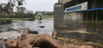 Huracán María se dejó sentir en estadio Hiram Bithorn de PR