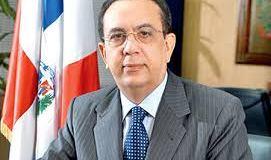 Revistas internacionales galardonan al gobernador del Banco Central
