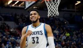 Karl Towns 23 puntos; Spurs con mejor marca en NBA