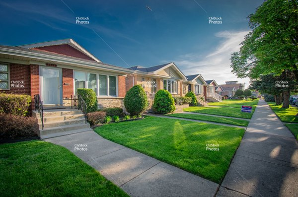 Chicago O'Hare Neighborhood Quiet Side Street Ranch Homes Architecture Sunset Evening