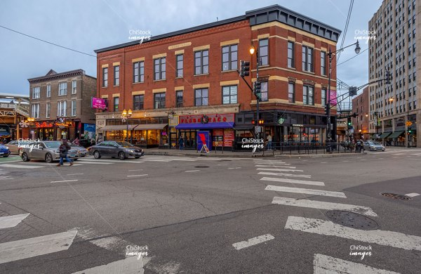 Milwaukee Ave Architecture in West Town Chicago
