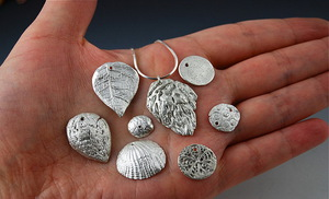 Hogyan és mit kell tisztítani az ezüstt