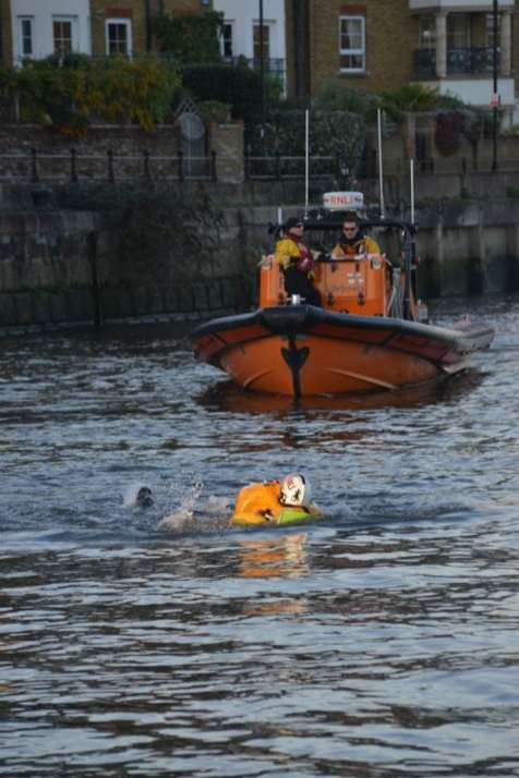 Chiswick Lifeboat RNLI Winter Practice 3