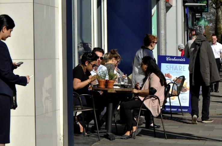Chiswick pavement cafe - Marianne Mahaffey web 3