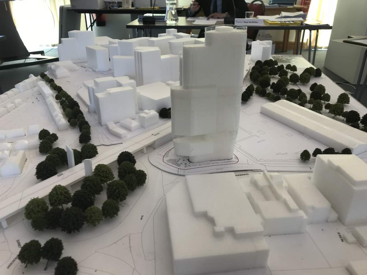 Model with the Curve in the foreground and the 'vision' for east Brentford behind it to the west.