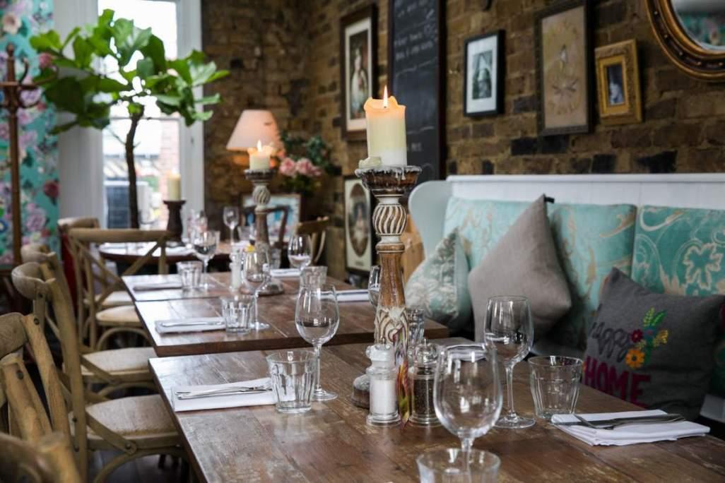 Annie's Restaurant - web