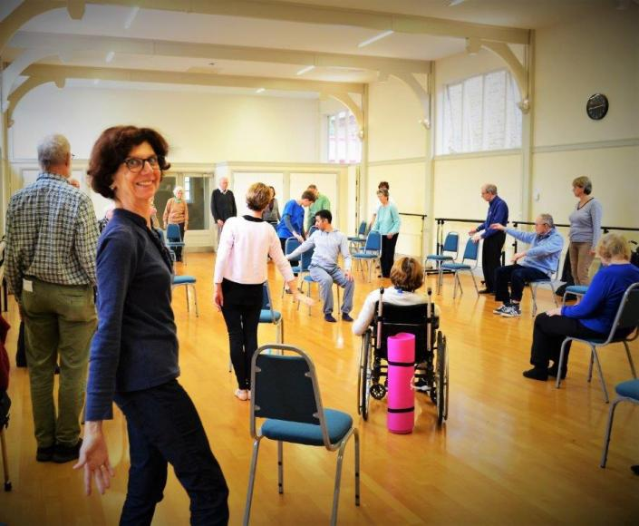 move into wellbeing chiswick volunteers