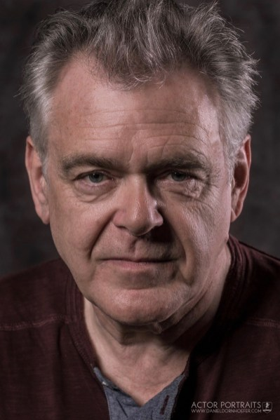 Kevin McNally headshot