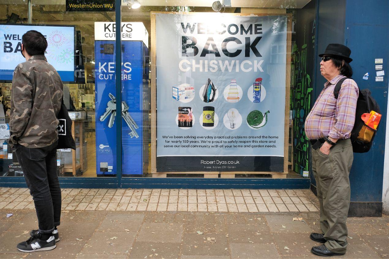 15 June shops open - Robert Dyas - Copy_web