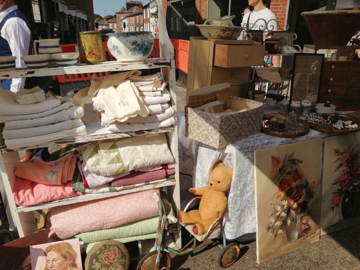 Antiques market 1_web