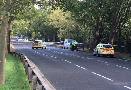 Traffic accident in Grove Park 9 September 2_web