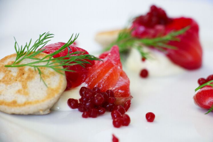 cured salmon with blini_web