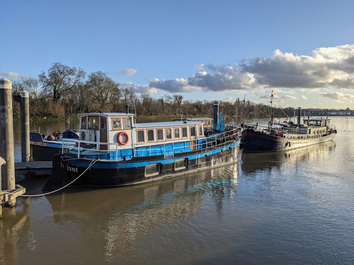 Houseboats 12 Radiant and Regatta - Joanna Raikes