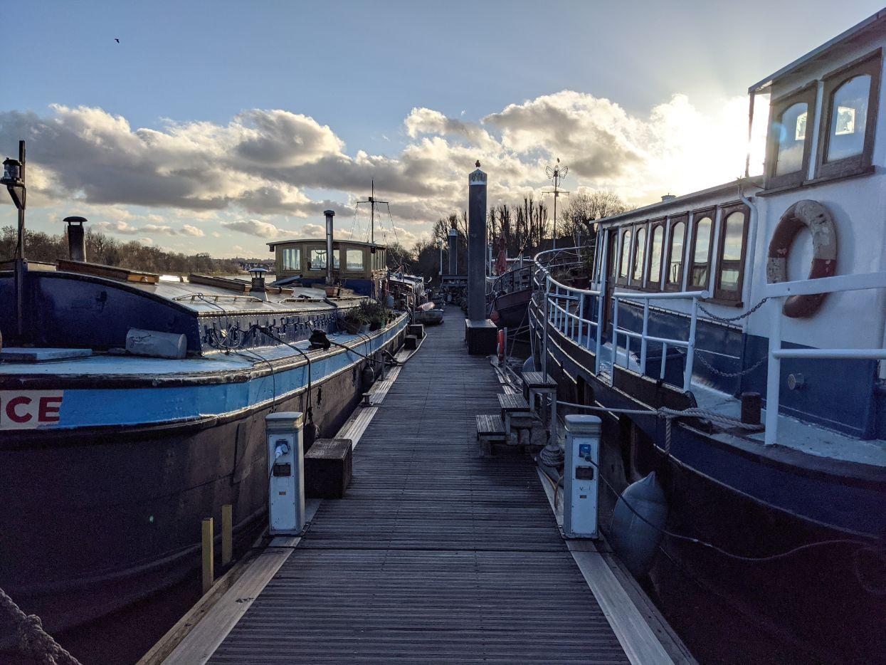 Houseboats 20 Reliance and Radiant - Joanna Raikes