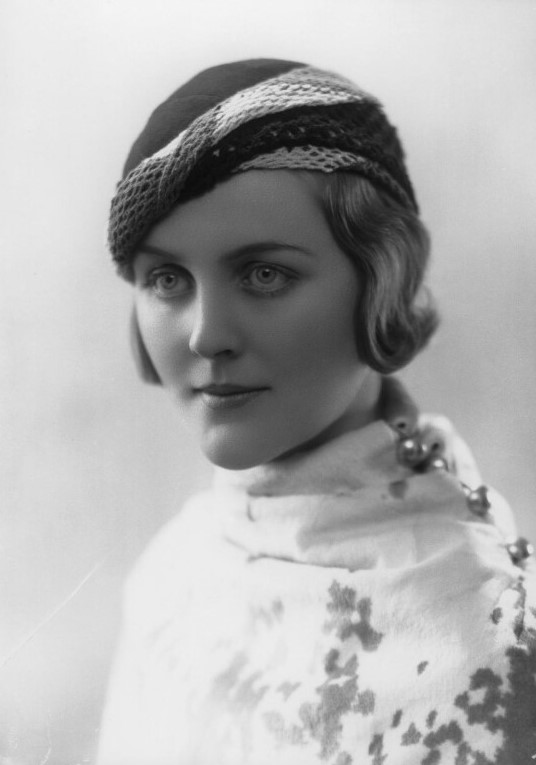 Diana-Mitford-later-Lady-Mosley by Bassano Ltd, January 1932_crop