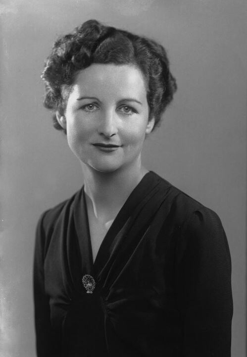 Nancy-Mitford by Bassano Ltd 11 - September 1941_crop