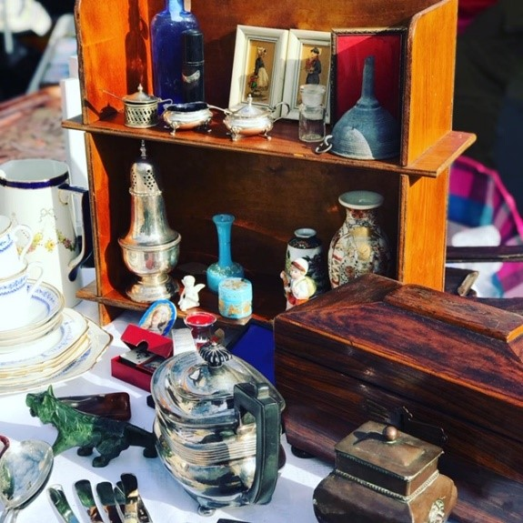 Antiques Market 5