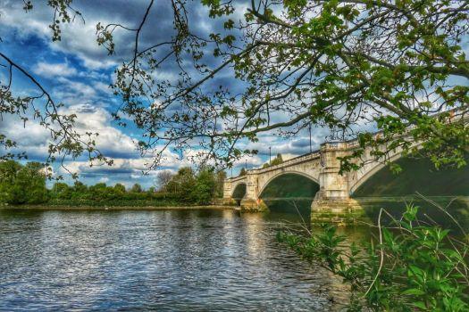 LS11 - Chiswick Bridge - Landscapes & Seascapes