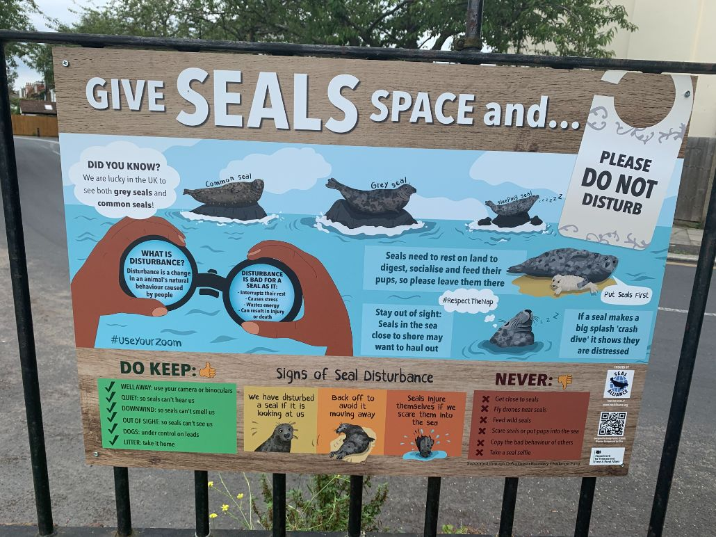 Seal sign at Strand on the Green_web