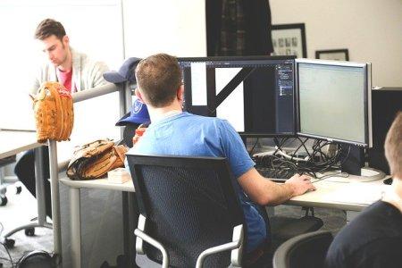 ハイテク企業 シリコンバレー スタートアップ
