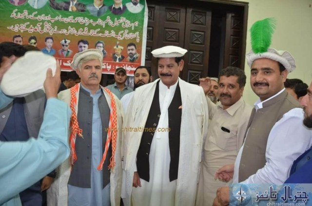 sartaj ahmad khan and other joined pti chitral 4