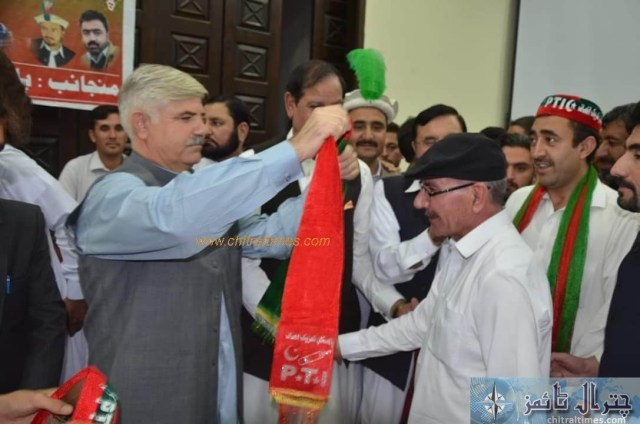 sartaj ahmad khan and other joined pti chitral 5