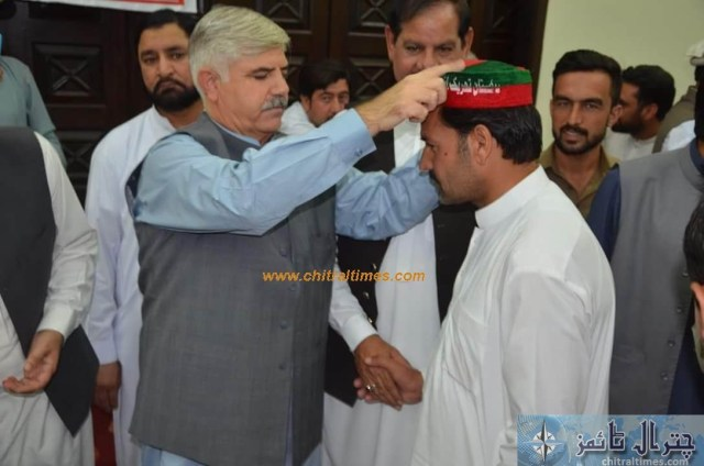 sartaj ahmad khan and other joined pti chitral 8