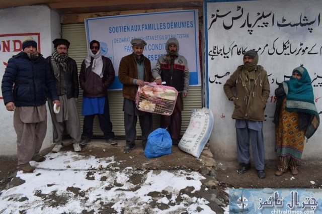 hashoo distributes relief items in brep chitral2