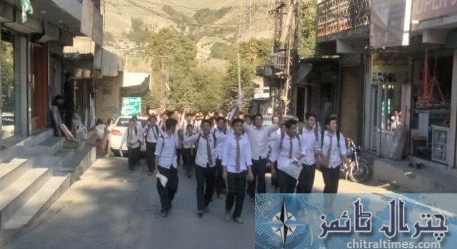 Students and teachers of the langland school and college chitral protest against Miss carry 9
