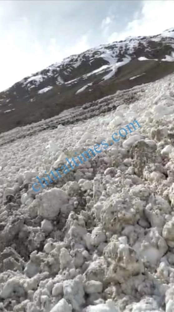 broghil road yarkhunlasht blocked upper chitral