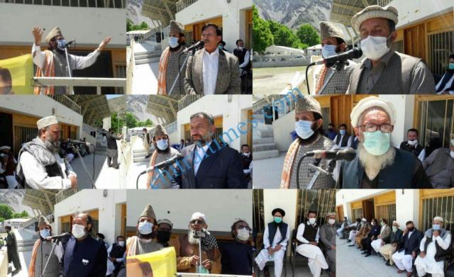 senator talha mehmood relief distributed in chitral town2