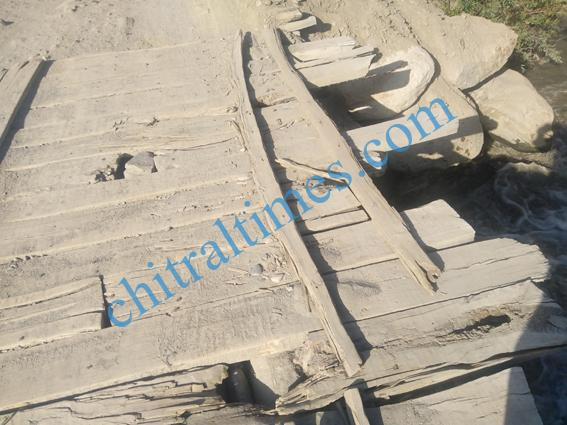 chitraltimes garamchashma bridges damages 6