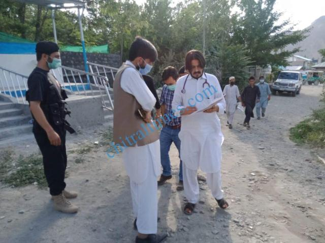 chitraltimes reshun accident dc chitral visit hospitals