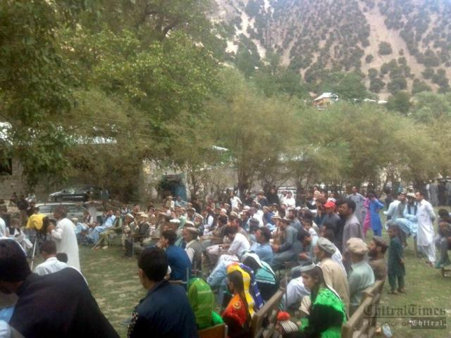 chitraltimes kalash valley protest against delay road construction2