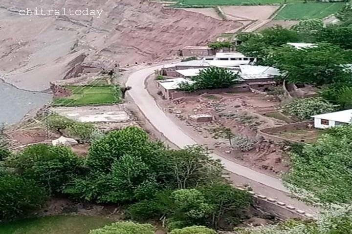 Road on verge of precipice